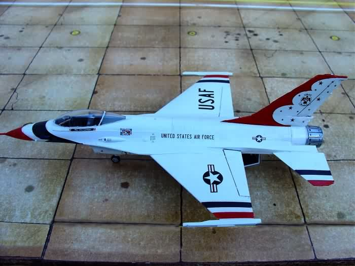 Building a 1/72 Scale Thunderbirds History