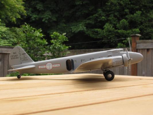Boeing_247_-5_1.jpg