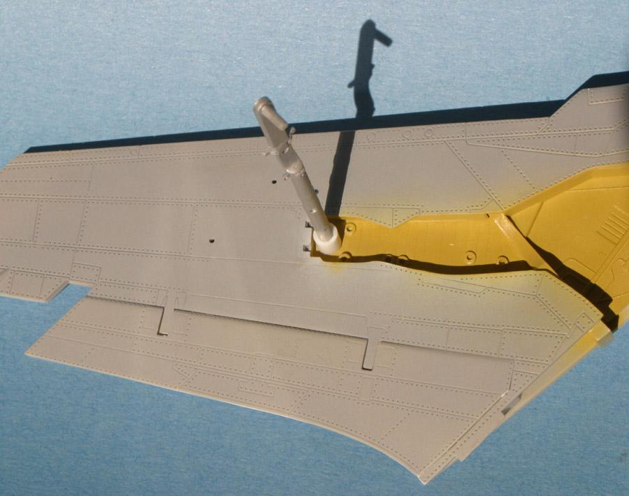 F-105_leg_e-m.jpg