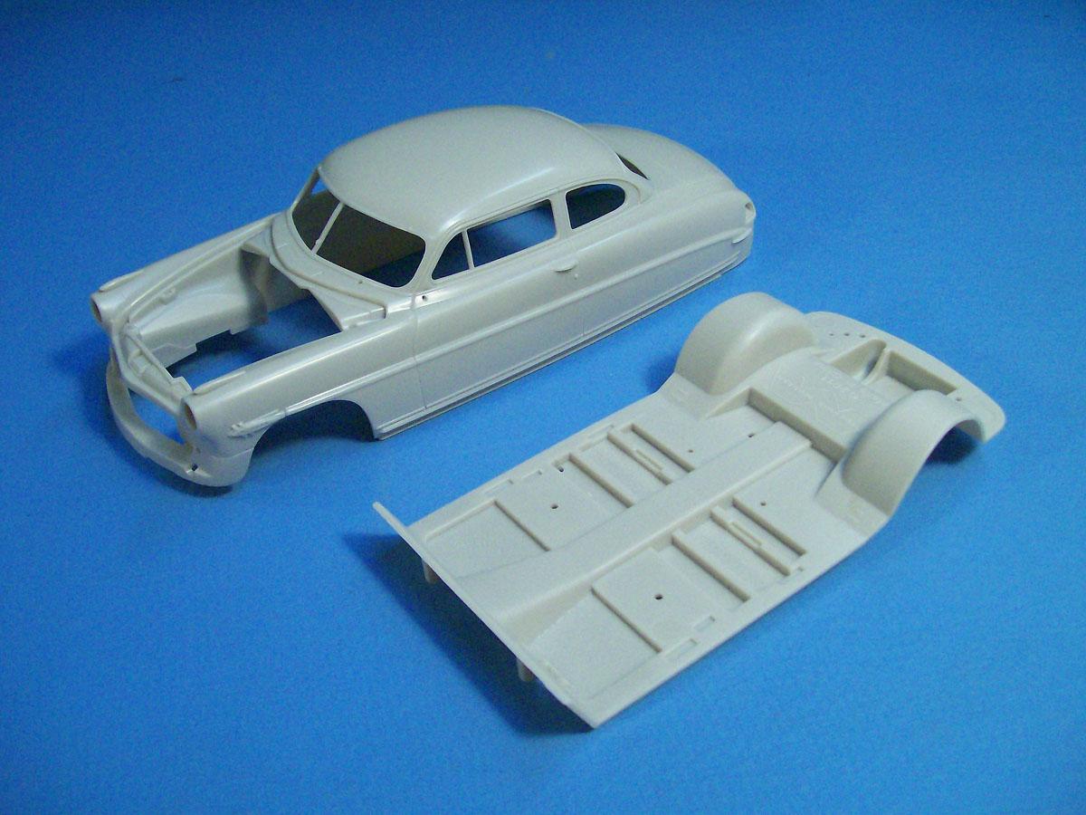 Internet Modeler Moebius Models 1/25 1953 Hudson Hornet