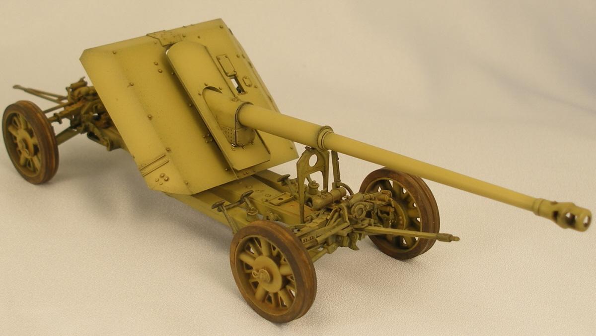 Trumpeter_8.8cm_Panzerjagerkanone_PAK43_3r_1.jpg