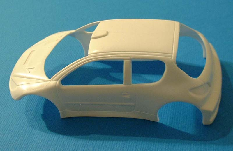 first_look_heller_Peugeot_206_parts_1.jpg