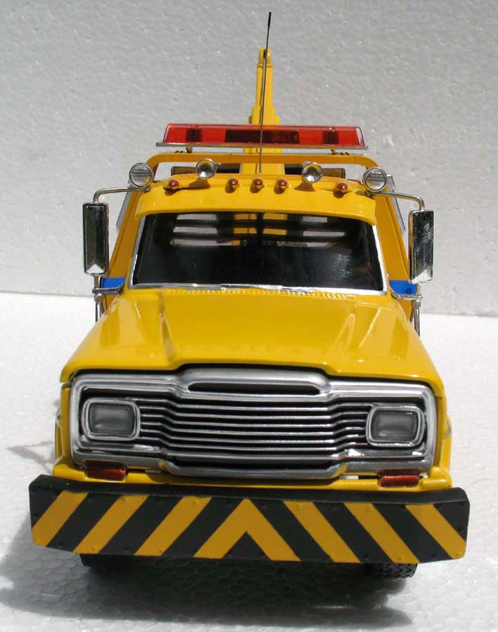 revell_jeep_tow_truck_6.jpg