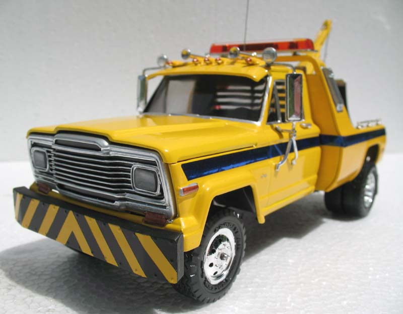 revell_jeep_tow_truck_9.jpg