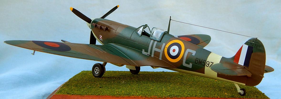 Airfix_Spitfire_24.jpg