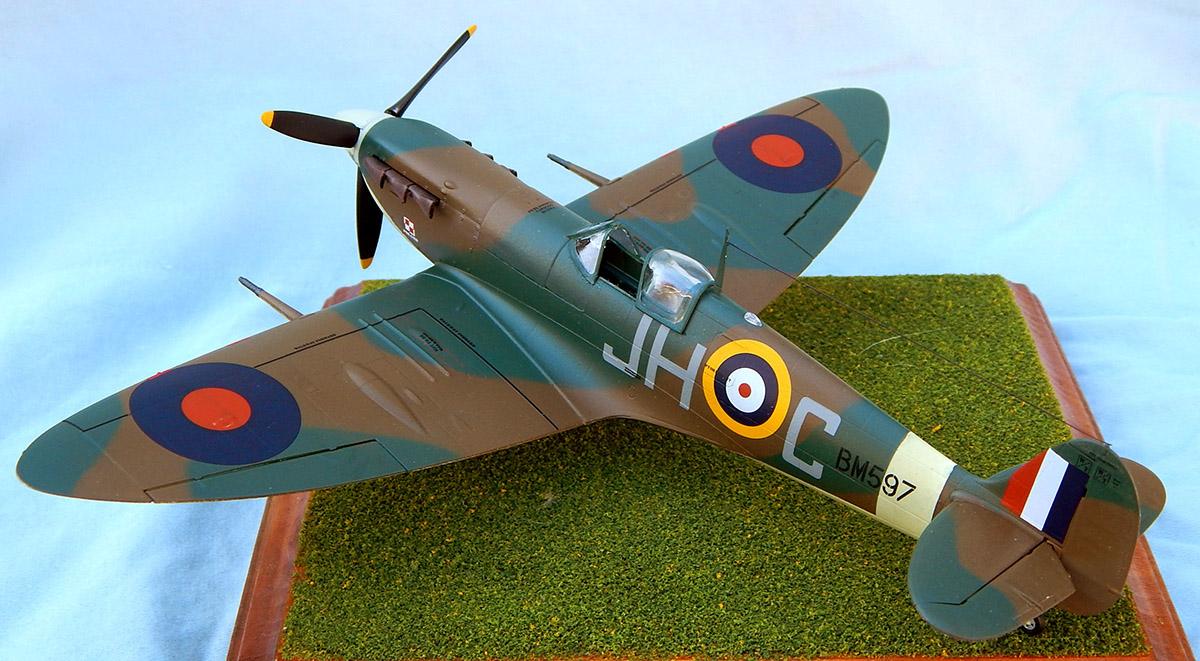 Airfix_Spitfire_29.jpg