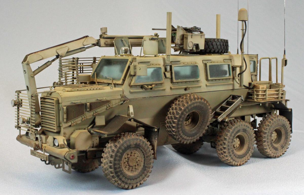 Internet Modeler Bronco 1/35 6x6 MPCV with Slat Grill Armor