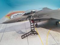 F16 with LP Models Ladder 1.jpg