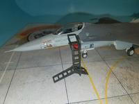 F16 with LP Models Ladder 7.jpg
