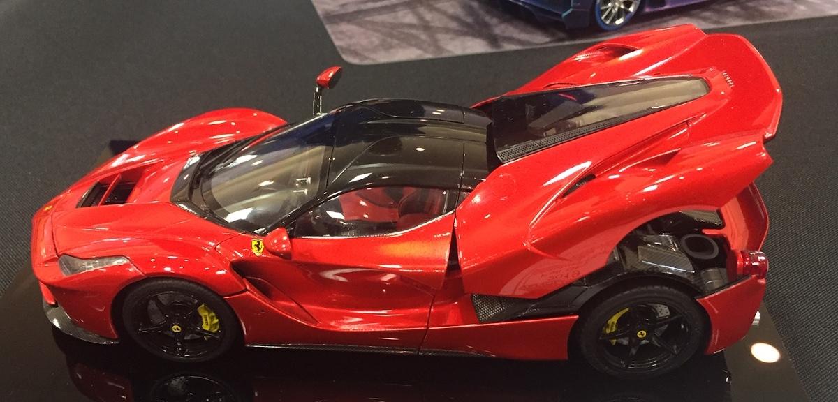 La_Ferrari_1.jpg
