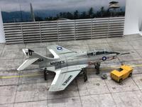 """Miniwing 1/144 Grumman F9F-8T """"Cougar"""" 01"""