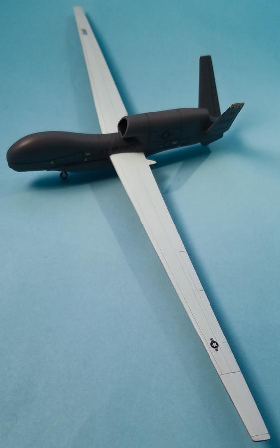 Miniwing 1/144 Northrop Grumman RQ-4 Global Hawk / USAF 7