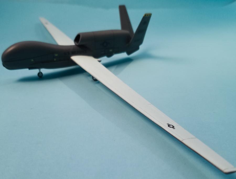 Miniwing 1/144 Northrop Grumman RQ-4 Global Hawk / USAF 8
