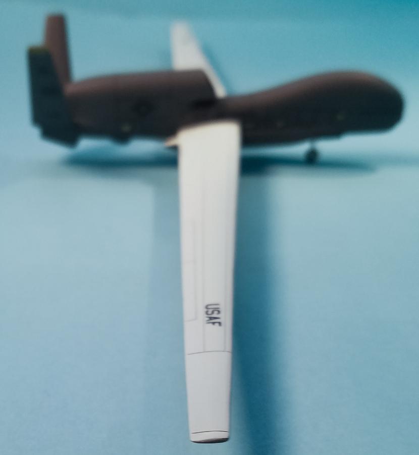 Miniwing 1/144 Northrop Grumman RQ-4 Global Hawk / USAF 9