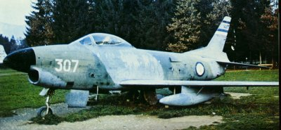 Yugoslavia apparently camouflaged its F-86Ds in a green and grey pattern, with the undersurfaces finished in the same shade of grey as the upper surfaces.